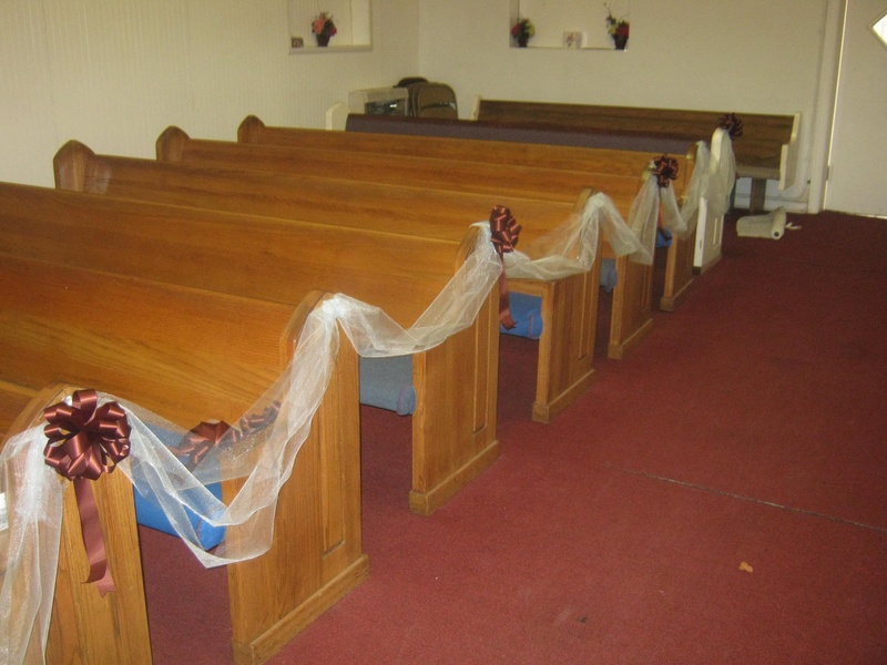 Tulle Pews w/ bows
